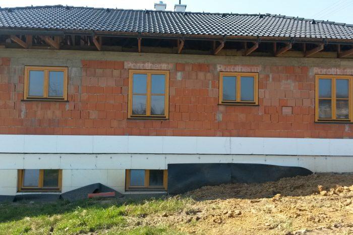 Drevené okná na novostavbe
