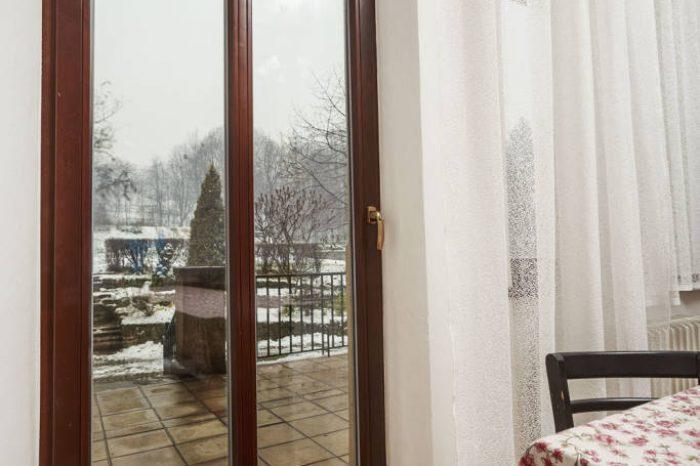 Drevené balkonové dvere