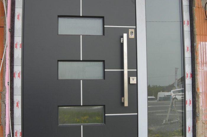 Vchodové dvere drevohliníkové