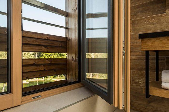 Drevohliníkové okno